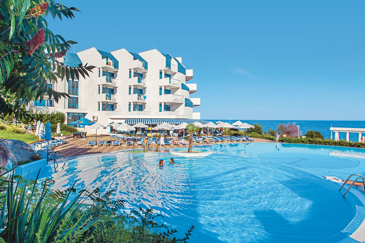 Primasol Sineva Beach Pool